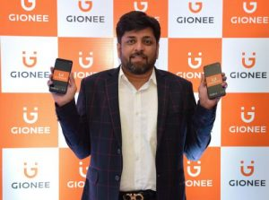 Mr Alok Shrivastava, Director, National Sales, Gionee India at the launch of F205 and S11 Lite