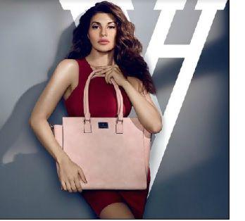 Van Heusen's 'Women's Handbags' segment