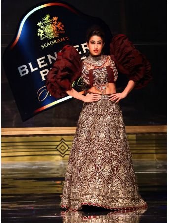 Designer Duo Abu Jani Sandeep Khosla Showcase My Blend My Pride With Sara Ali Khan At Blenders Pride Fashion Tour 2019 20