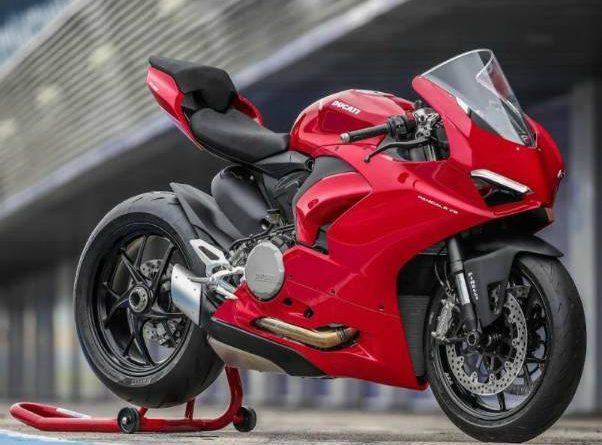 Ducati-Panigale-V2