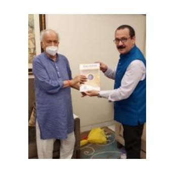 Director General of IIMC met Maharashtra Governor